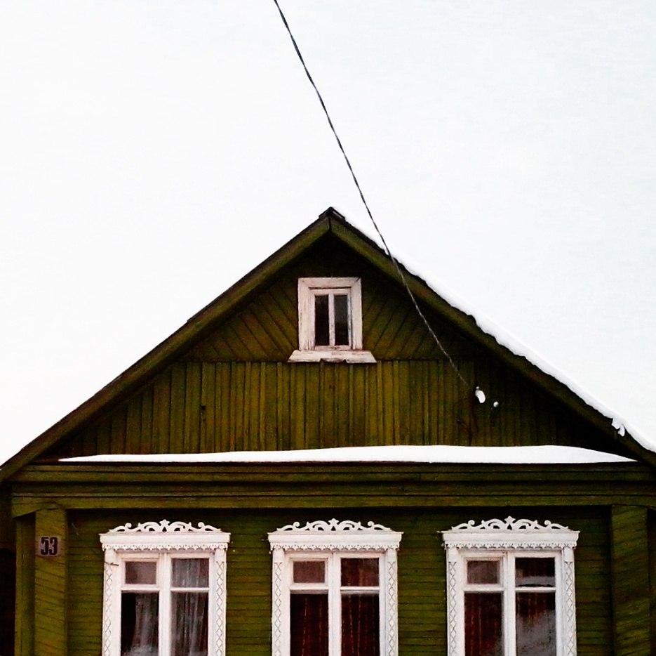 Дома с резными наличниками в маленьком поселке Городищи 01