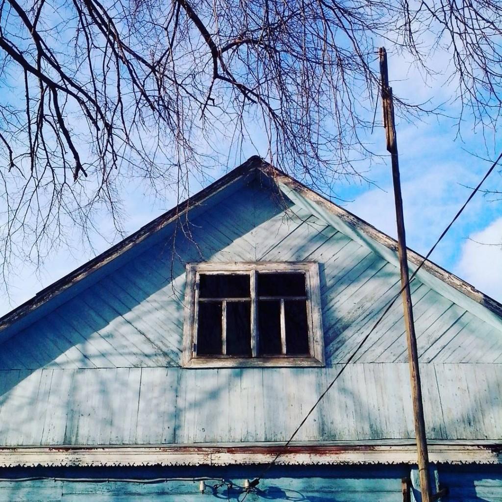 Дома с резными наличниками в маленьком поселке Городищи 05