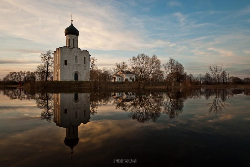 На лодке к чудесному храму с Владимиром Чучадеевым 01