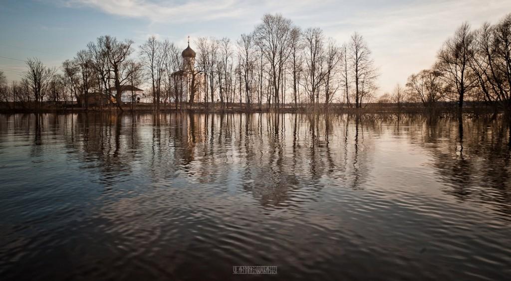 На лодке к чудесному храму с Владимиром Чучадеевым 05