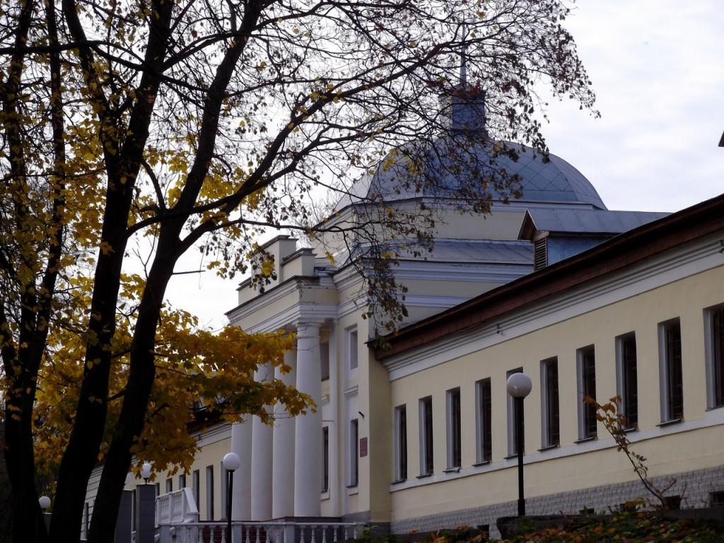 Первая губернская больница (Белый корпус) во Владимире