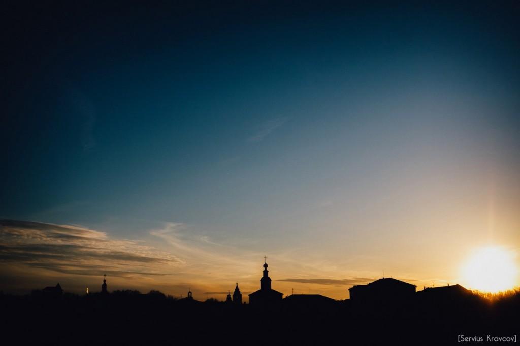 Расцветающий парк Пушкина в лучах апрельского заката 03