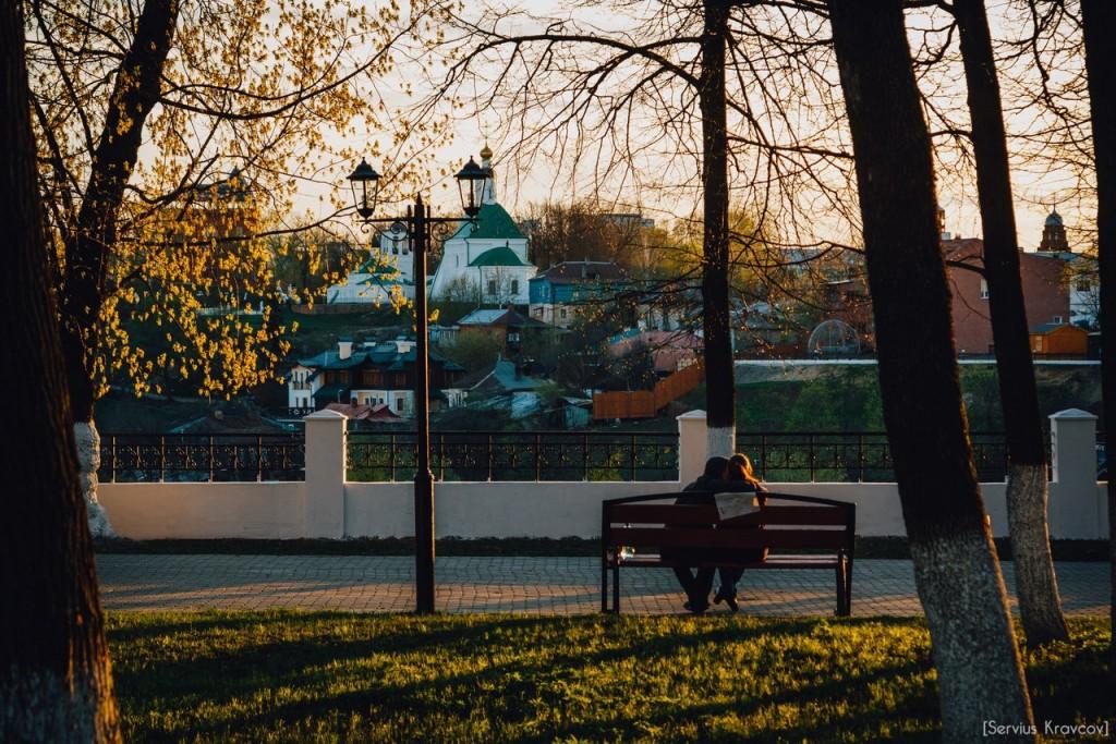 Расцветающий парк Пушкина в лучах апрельского заката 04