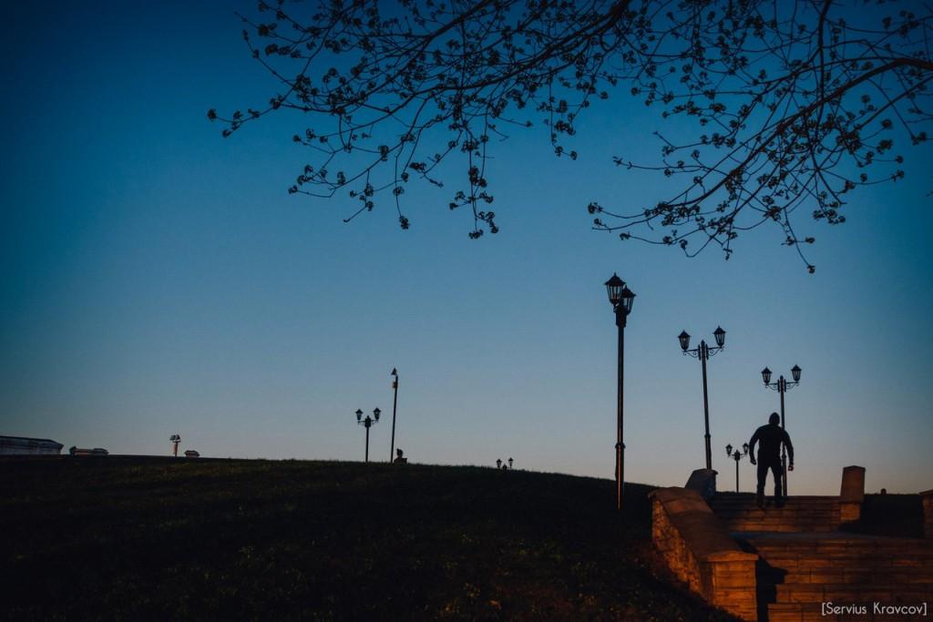 Расцветающий парк Пушкина в лучах апрельского заката 05