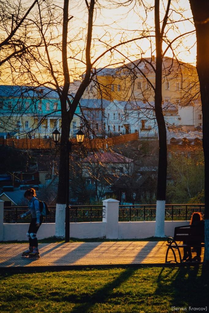 Расцветающий парк Пушкина в лучах апрельского заката 06