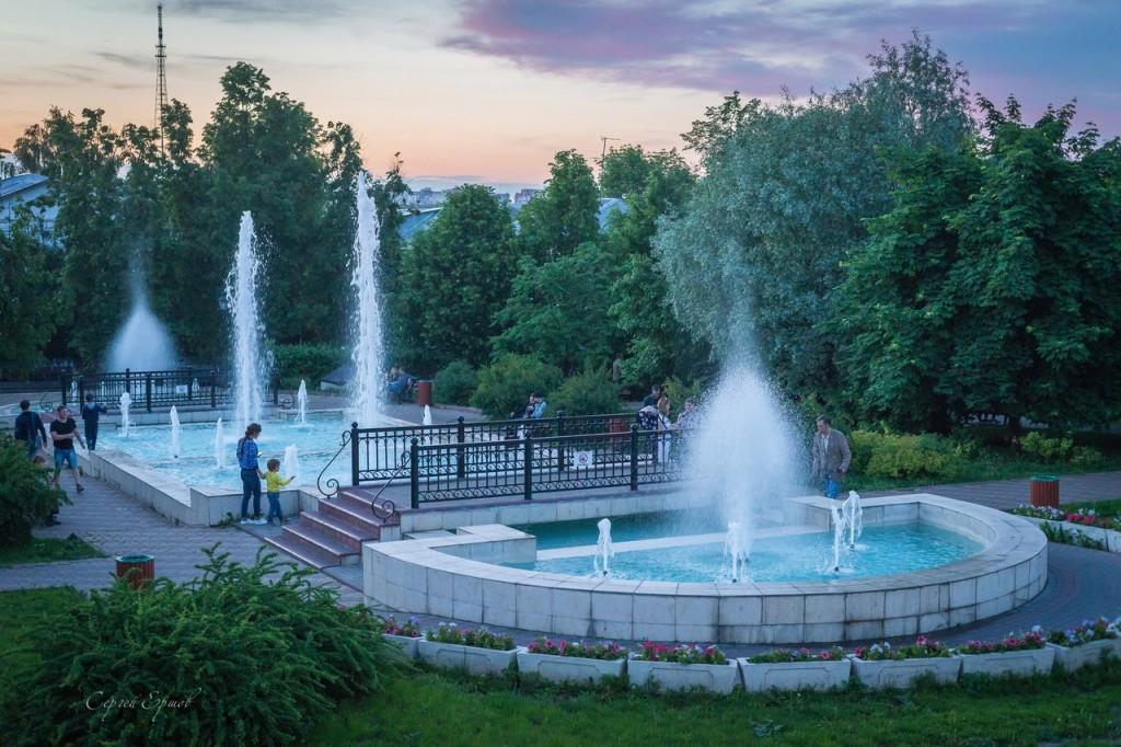 Теплый майский вечер. Комсомольский сквер. Владимир