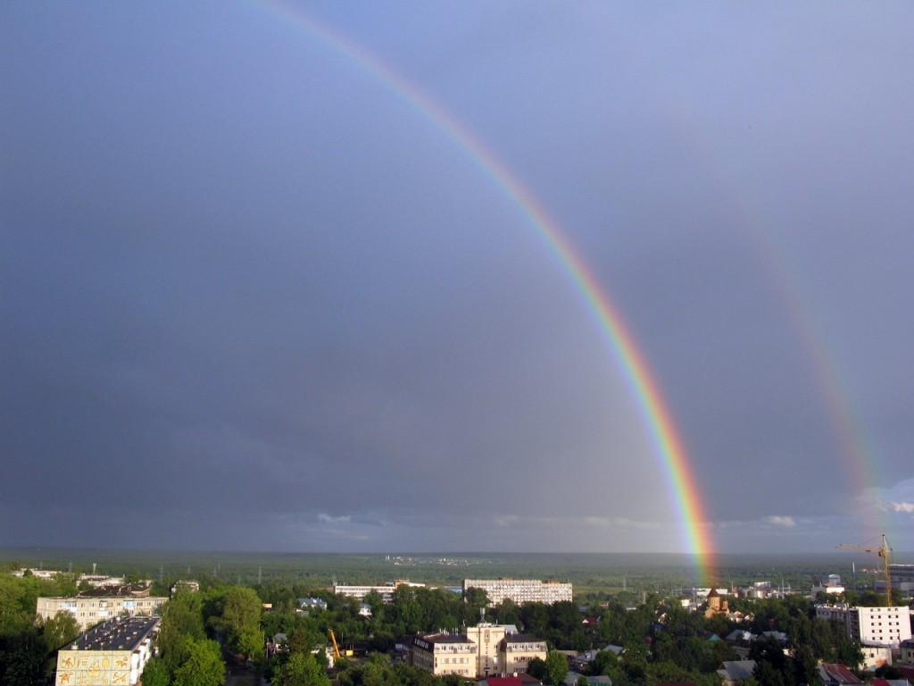 А из моего окна вот такая радуга видна