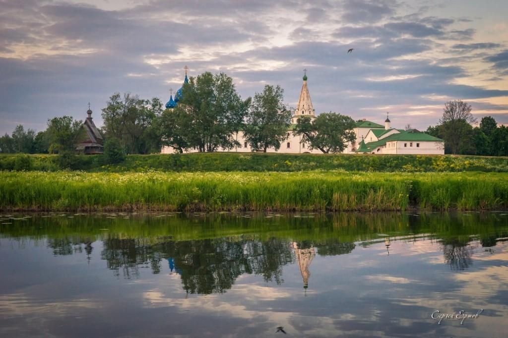 Суздальский Кремль на закате
