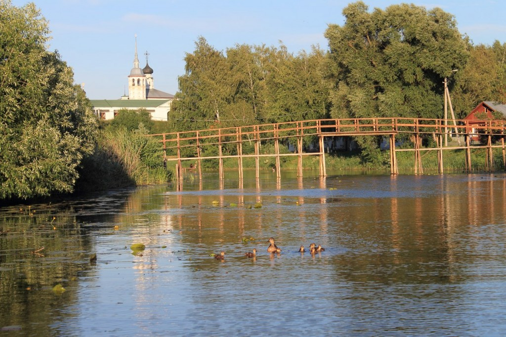 На реке Каменка, центр Суздаля 04