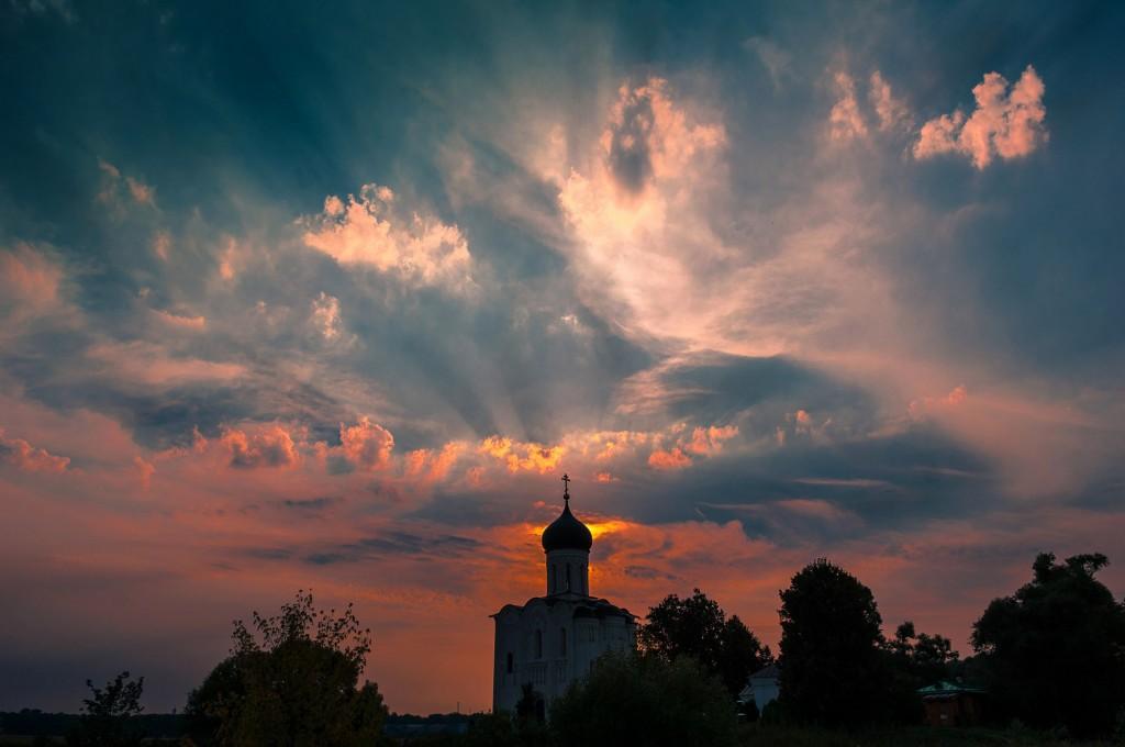 Летний закат Покрова-на-Нерли 06