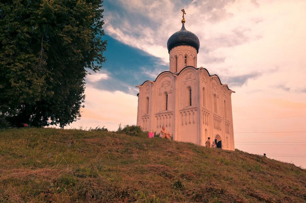 Летний закат Покрова-на-Нерли 10