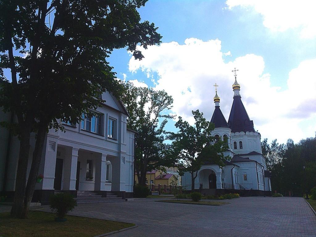 Поселок Красная Горбатка, Церковь Сергия и Никона Радонежских 02