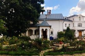 Киржач. Территория Свято-Благовещенского монастыря
