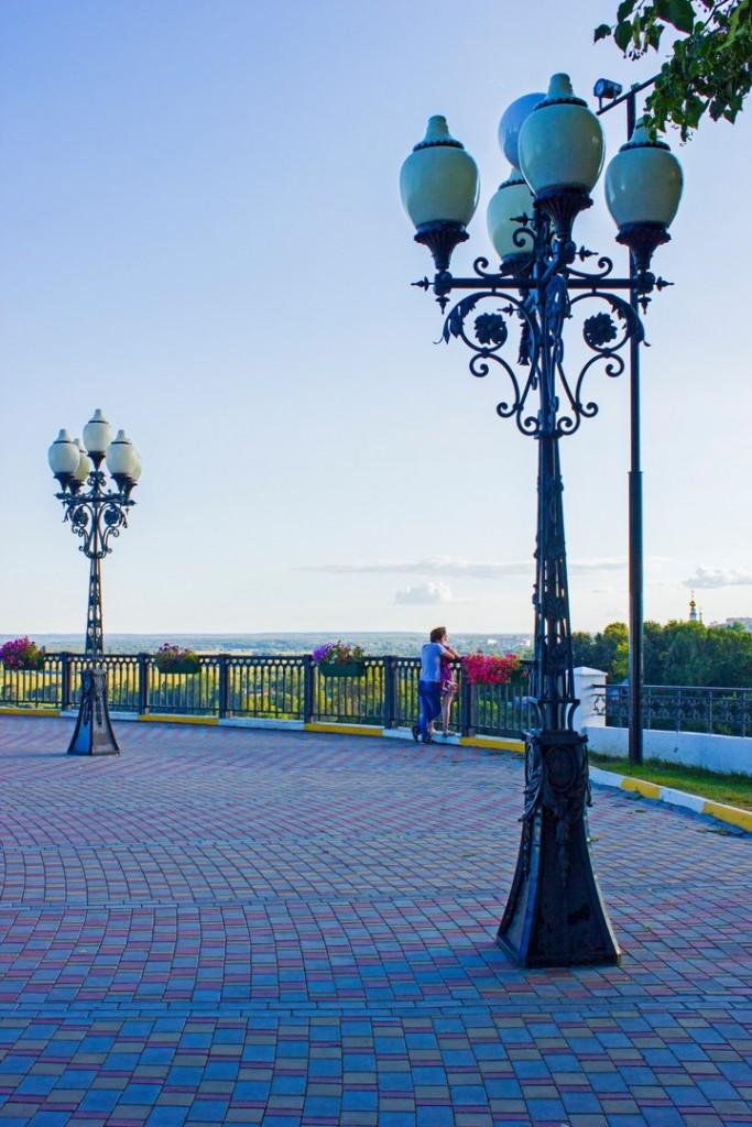 Вечерняя прогулка по смотровой во Владимире 05