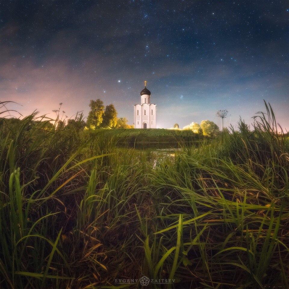Ночь над храмом Покрова на Нерли