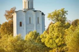 Церковь Покрова на Нерли. Золотой сентябрь 2015