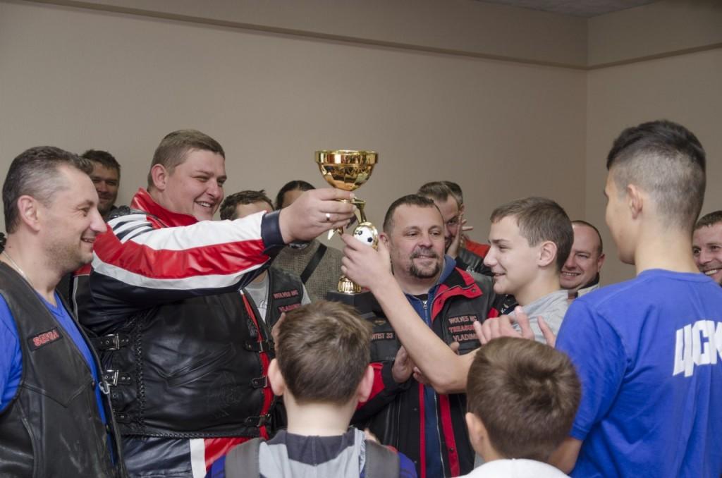Байк-клуб Wolves MC Vladimir 24.09.16 закрыл мотосезон 09