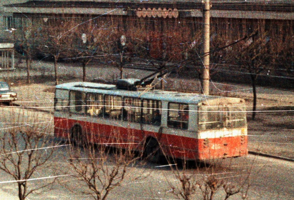 Владимир, ЗиУ-682В  № 406  Улица Егорова Автор:  Alex_George.  Дата: Март 1992 г.