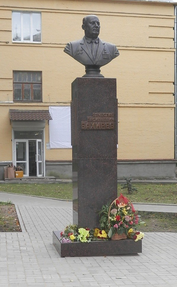 Военные памятники Коврова 02