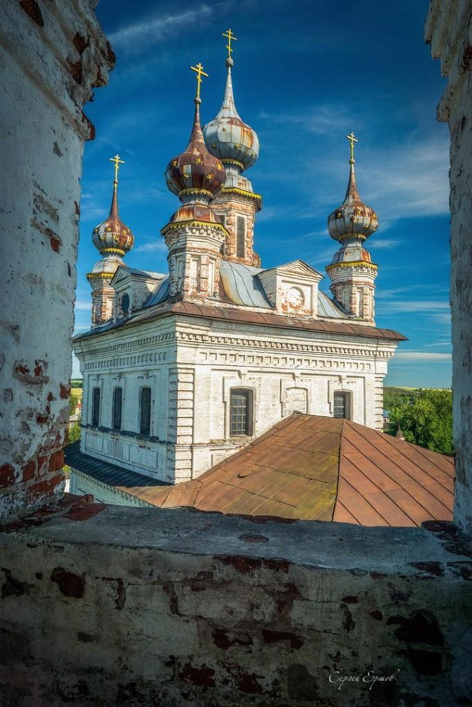 На колокольне в Юрьев-Польском. Михайло-Архангельский монастырь.