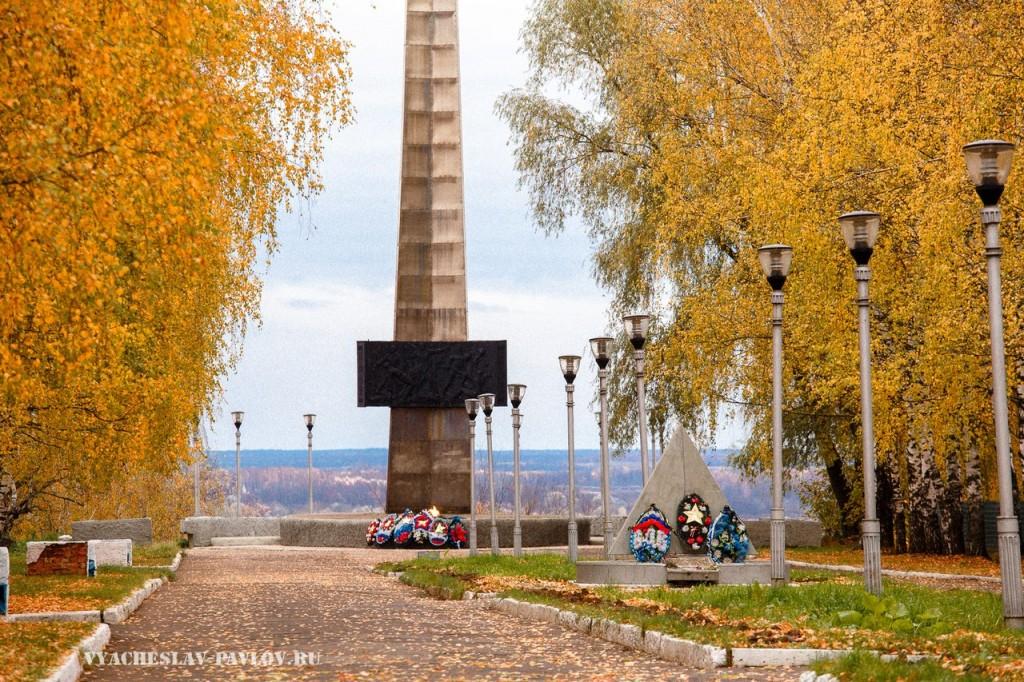 Осенняя стела в Вязниках