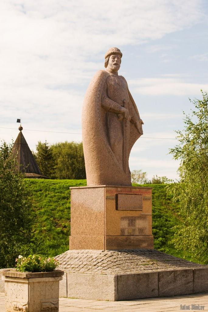 Памятник Юрию Долгорукому в Юрьев-Польском