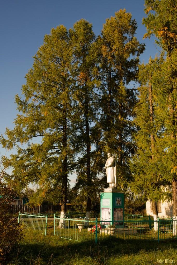 Памятник погибшим воинам в с. Архангел