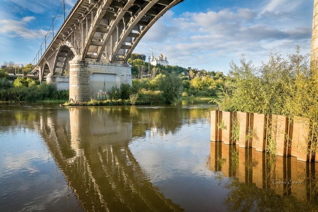 Погожий осенний вечер. На Клязьме под мостом. Владимир