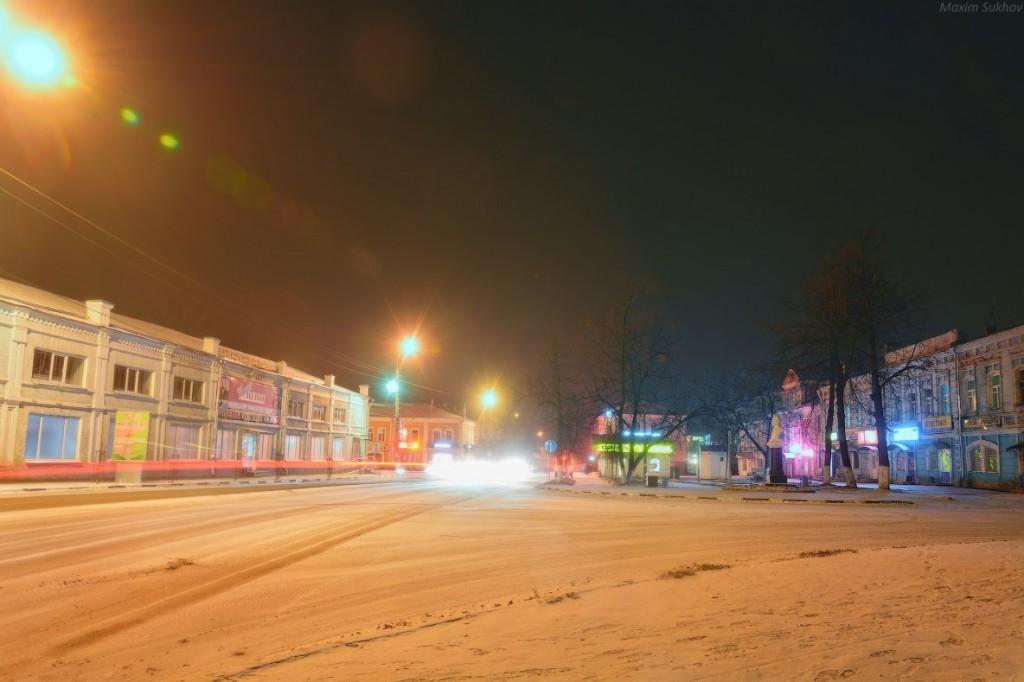 Центр города Вязники во время первого снега 06