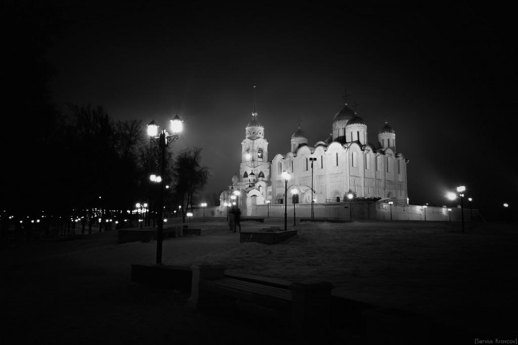 Владимир. Ночь темна и полна света фонарей 03
