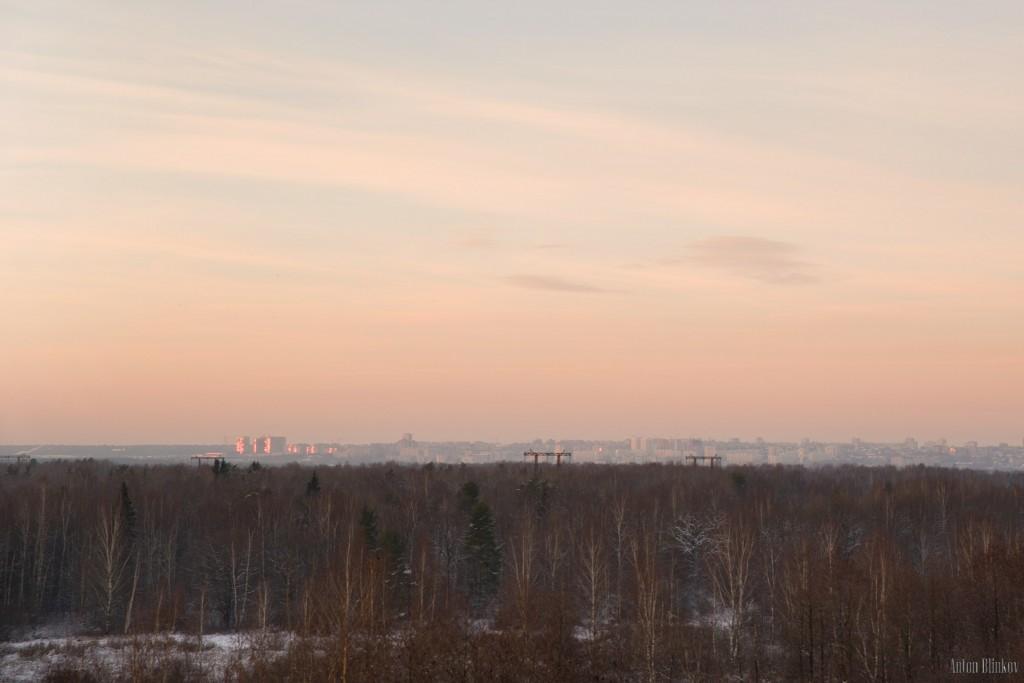 Осенний Владимир на закате. Вид со стороны.