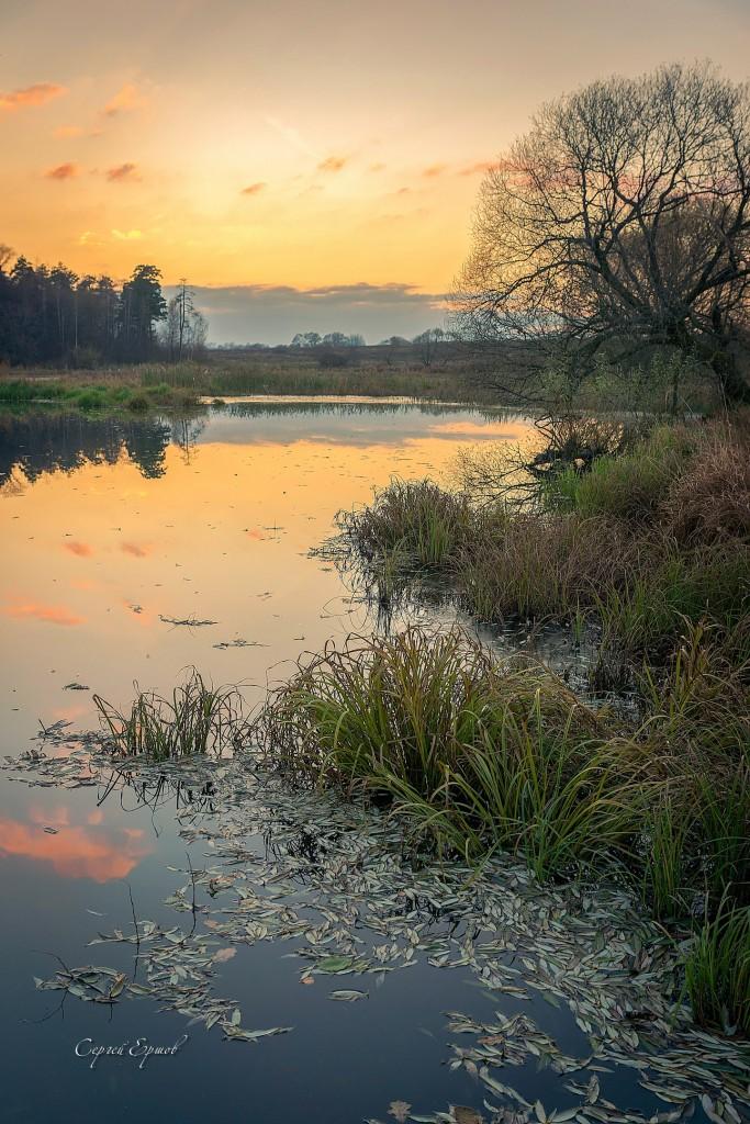 Осенний вечер на речке Содышка. Владимир