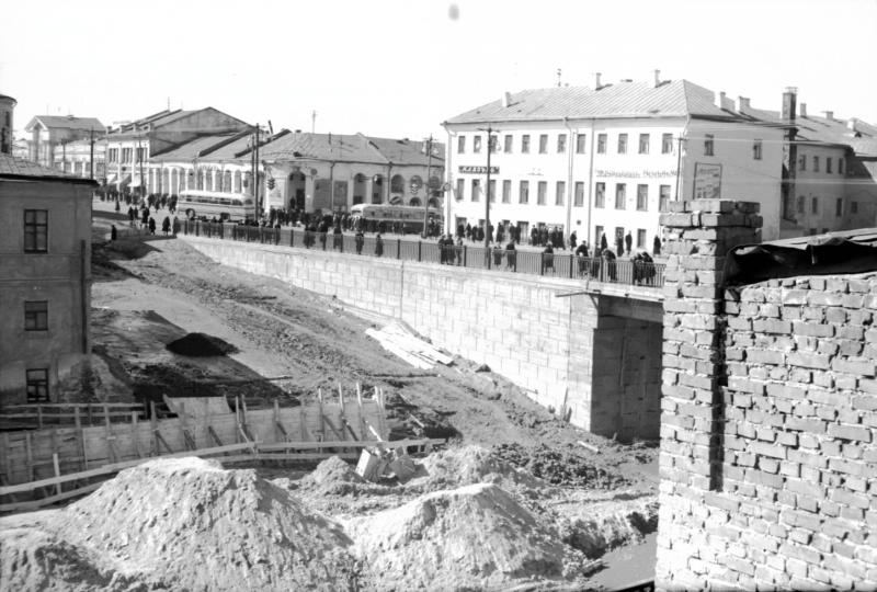 Торговый мост города Владимира 04