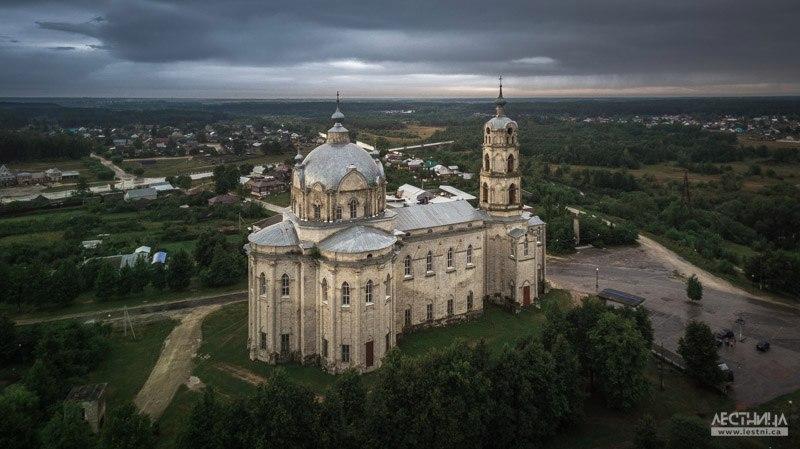 Троицкий собор в Гусь-Железном с высоты 02