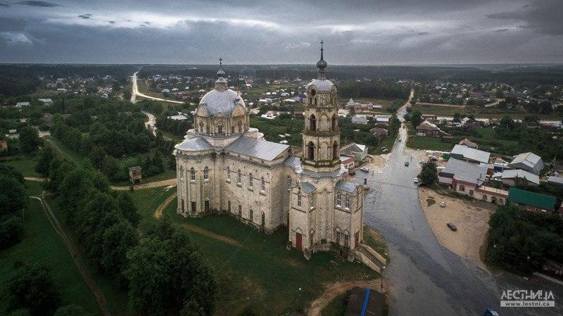 Троицкий собор в Гусь-Железном с высоты 03