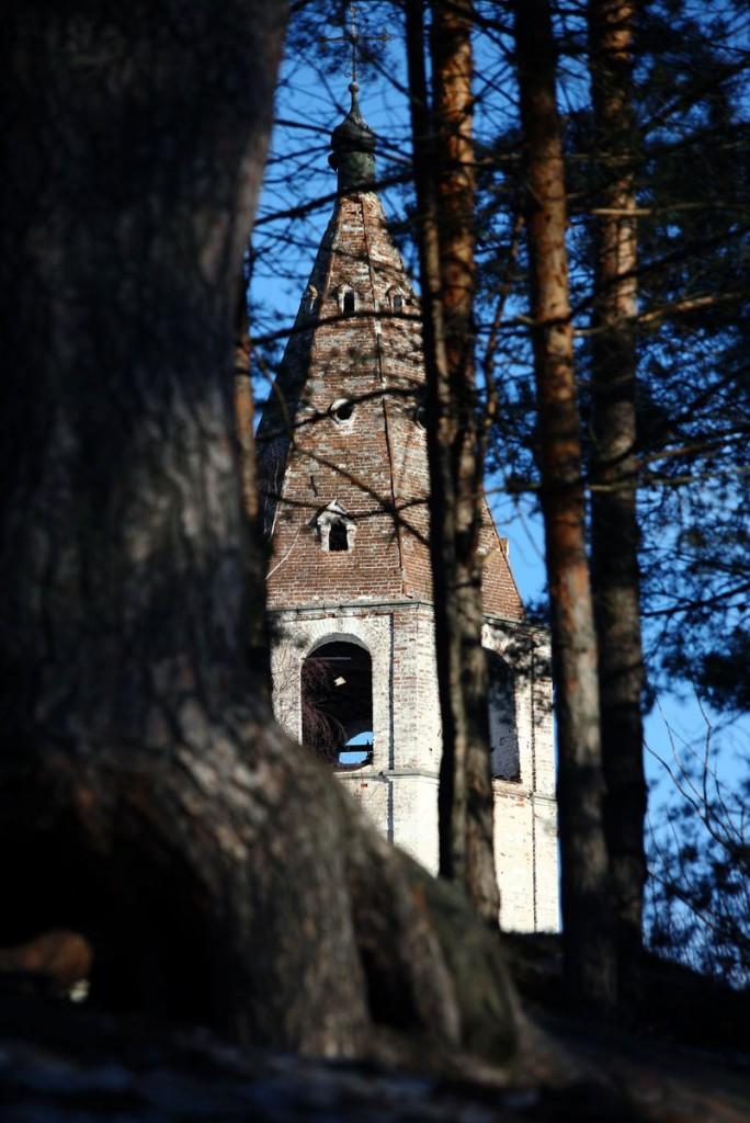 Успенская церковь села Любец на реке Клязьме. Ковровский район 02