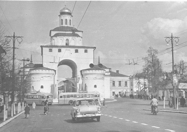 Фото старых троллейбусов города Владимира 102