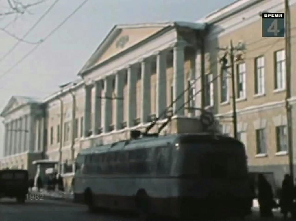 Фото старых троллейбусов города Владимира 105