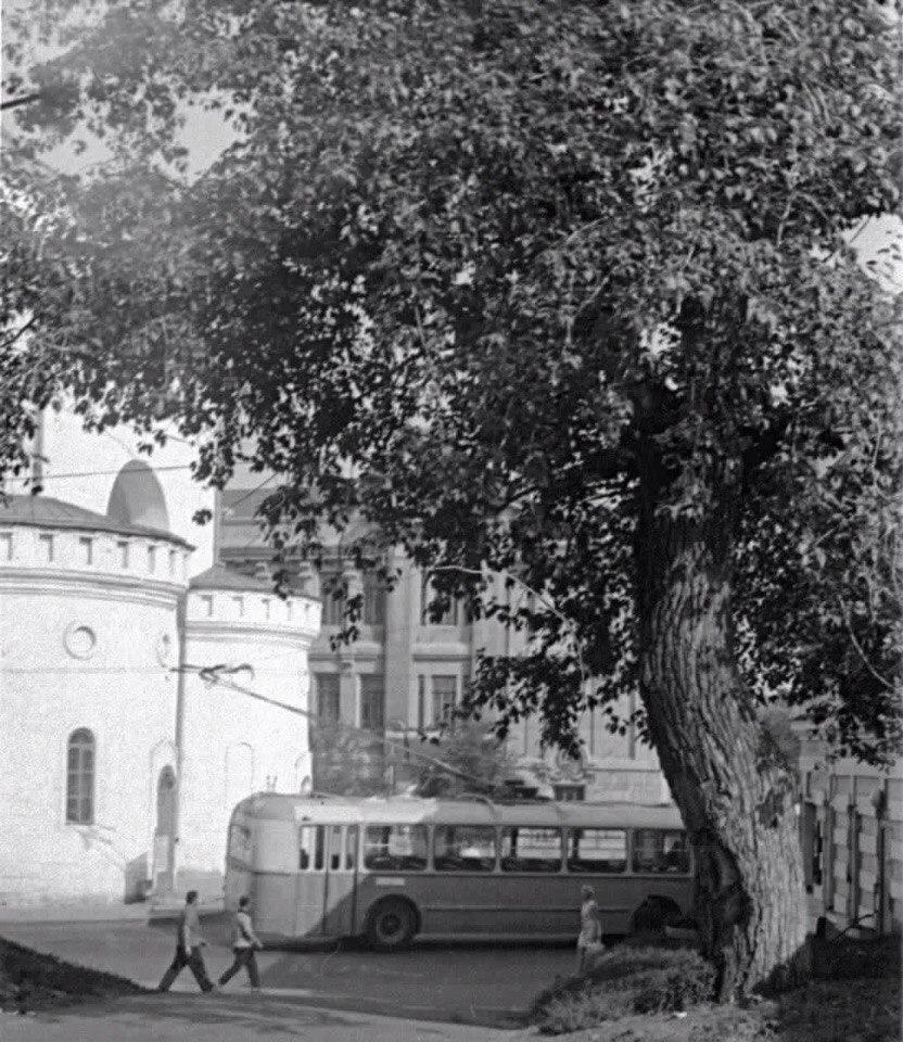Фото старых троллейбусов города Владимира 196