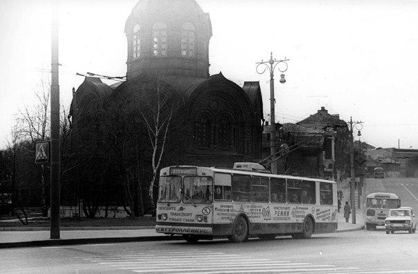Фото старых троллейбусов города Владимира 33