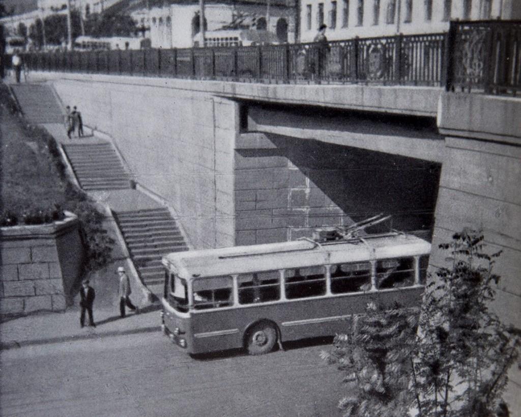 Фото старых троллейбусов города Владимира 93