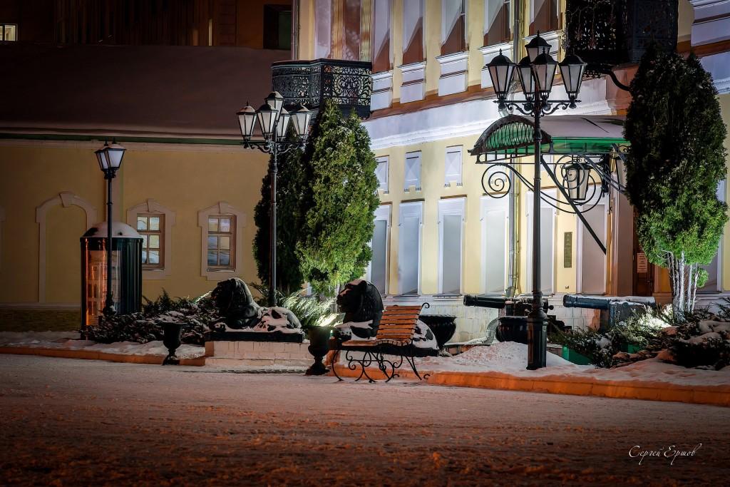 Ночная Выкса. Площадь металлургов. Дом Музей Баташевых