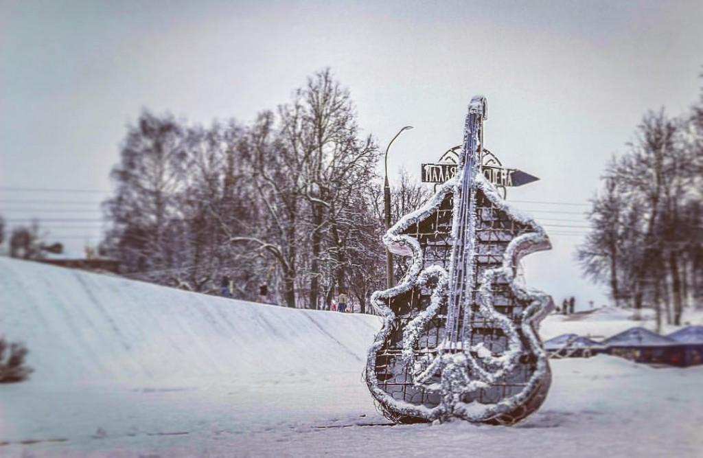 Один из самых любимых горожанами арт-объектов города Владимира - Контрабас