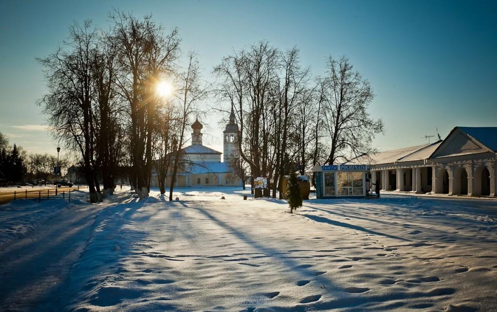 Покрытый снегом город Суздаль 07