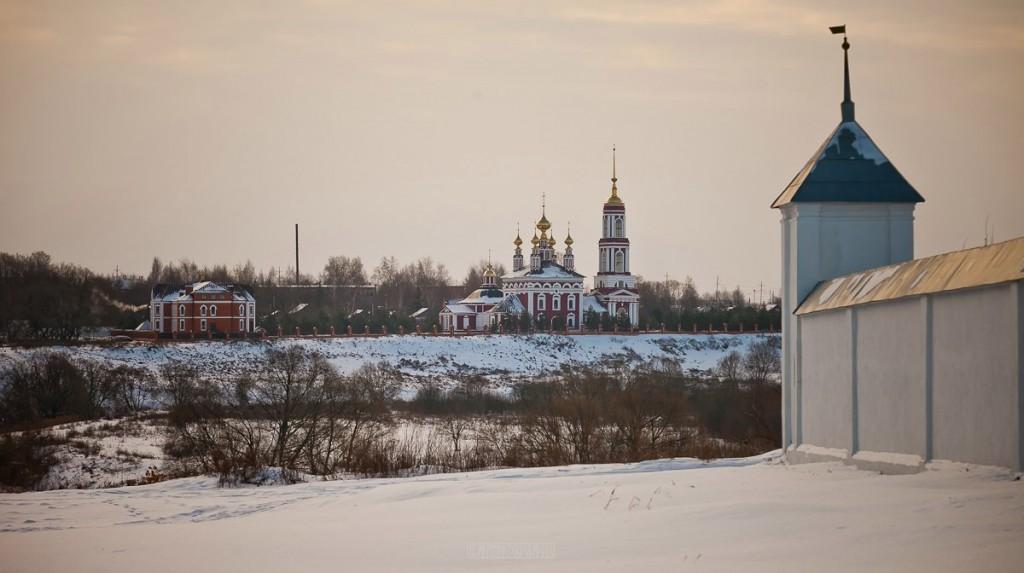 Покрытый снегом город Суздаль 08