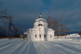 Троицкая церковь в с. Дубки, Кольчугинский р-н