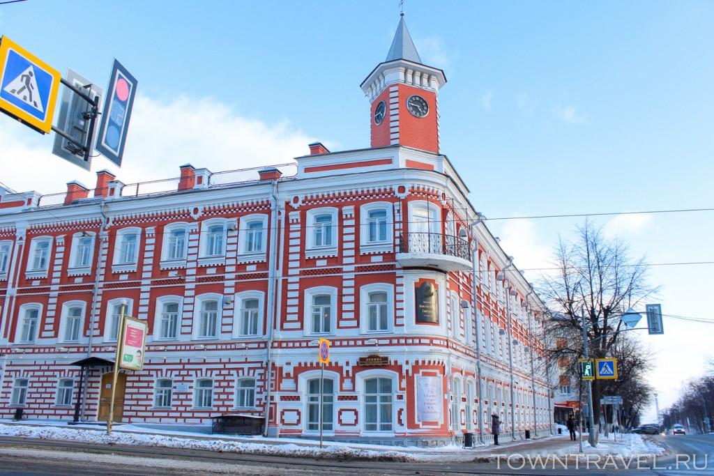 59-Дом-Гончарова-на-перекрестке-улиц-Гончарова-и-Ленина