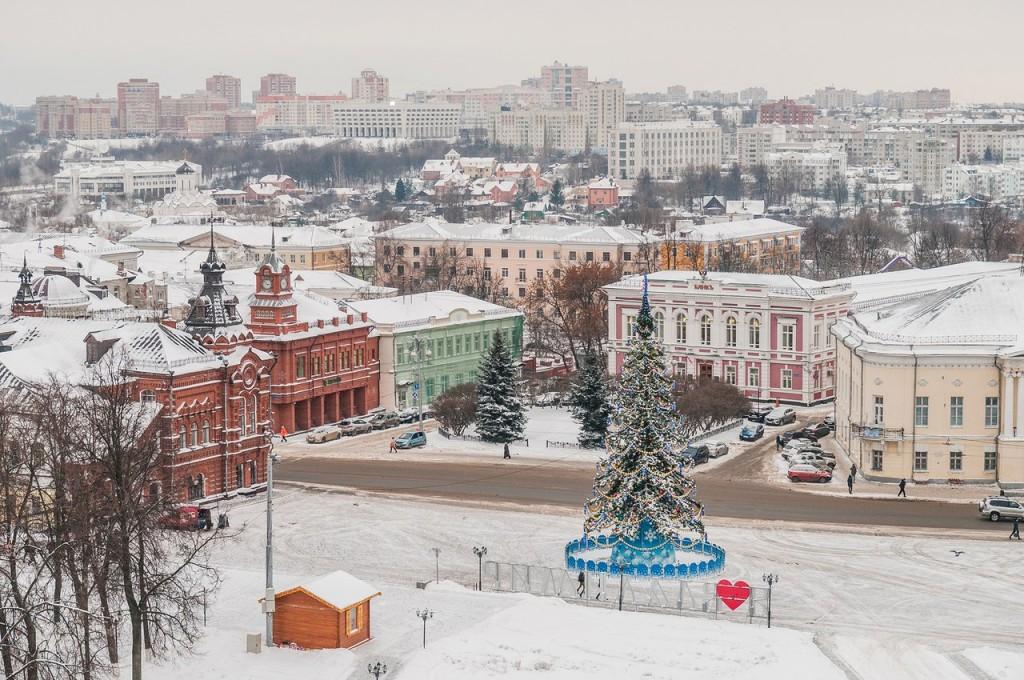 Вид на снежный Владимир с колокольни Успенского собора 02