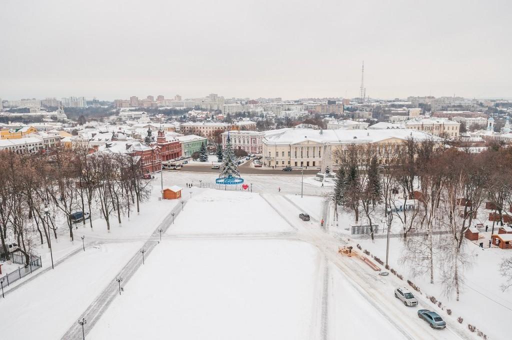 Вид на снежный Владимир с колокольни Успенского собора 03