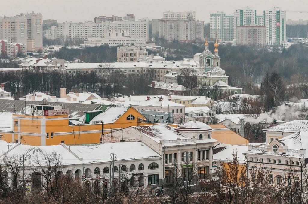 Вид на снежный Владимир с колокольни Успенского собора 04